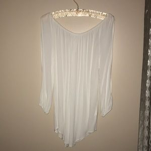 White open arm off the shoulder blouse